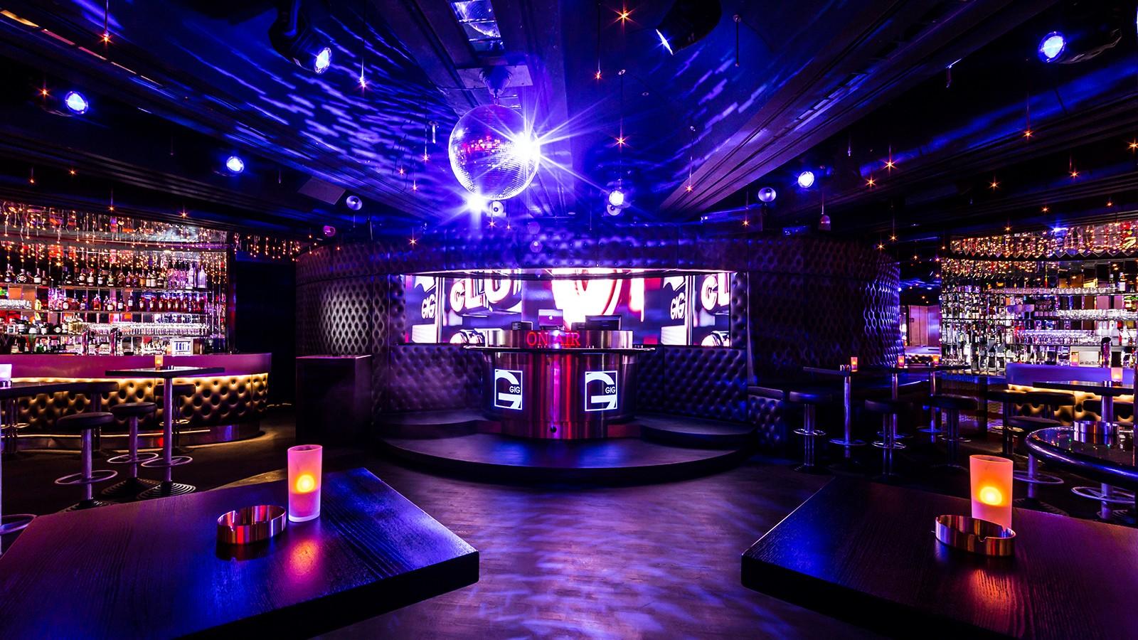 âm thanh quán bar