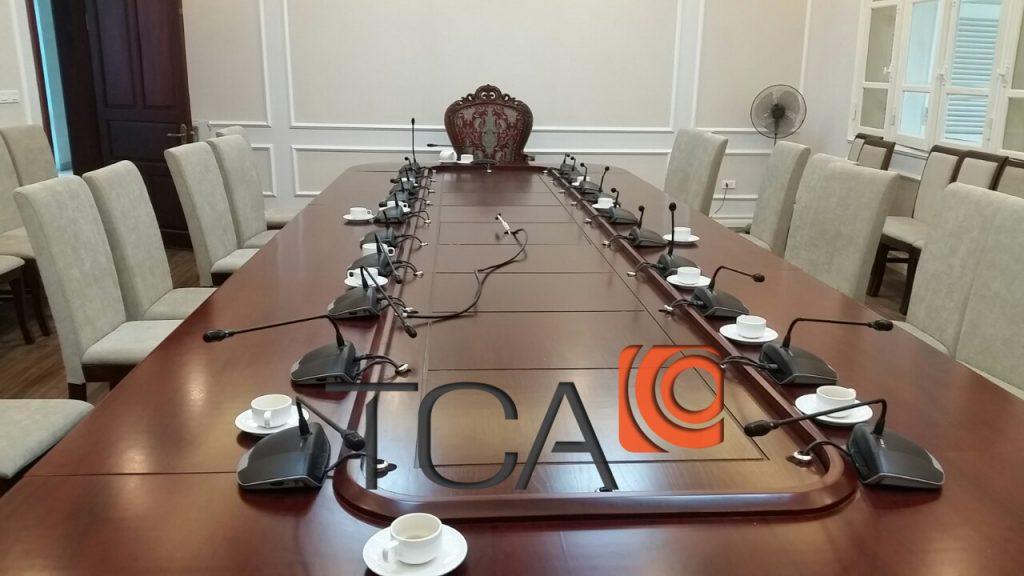 Hệ thống âm thanh hội thảo kỹ thuật số CCS 1000
