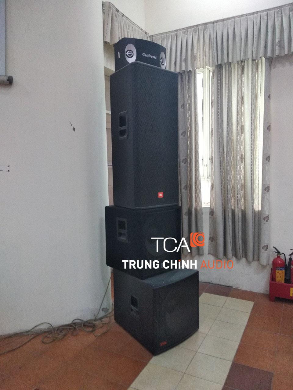 he-thong-am-thanh-hoi-truong-tai-truong-dh-lao-dong-va-xa-hoi-6