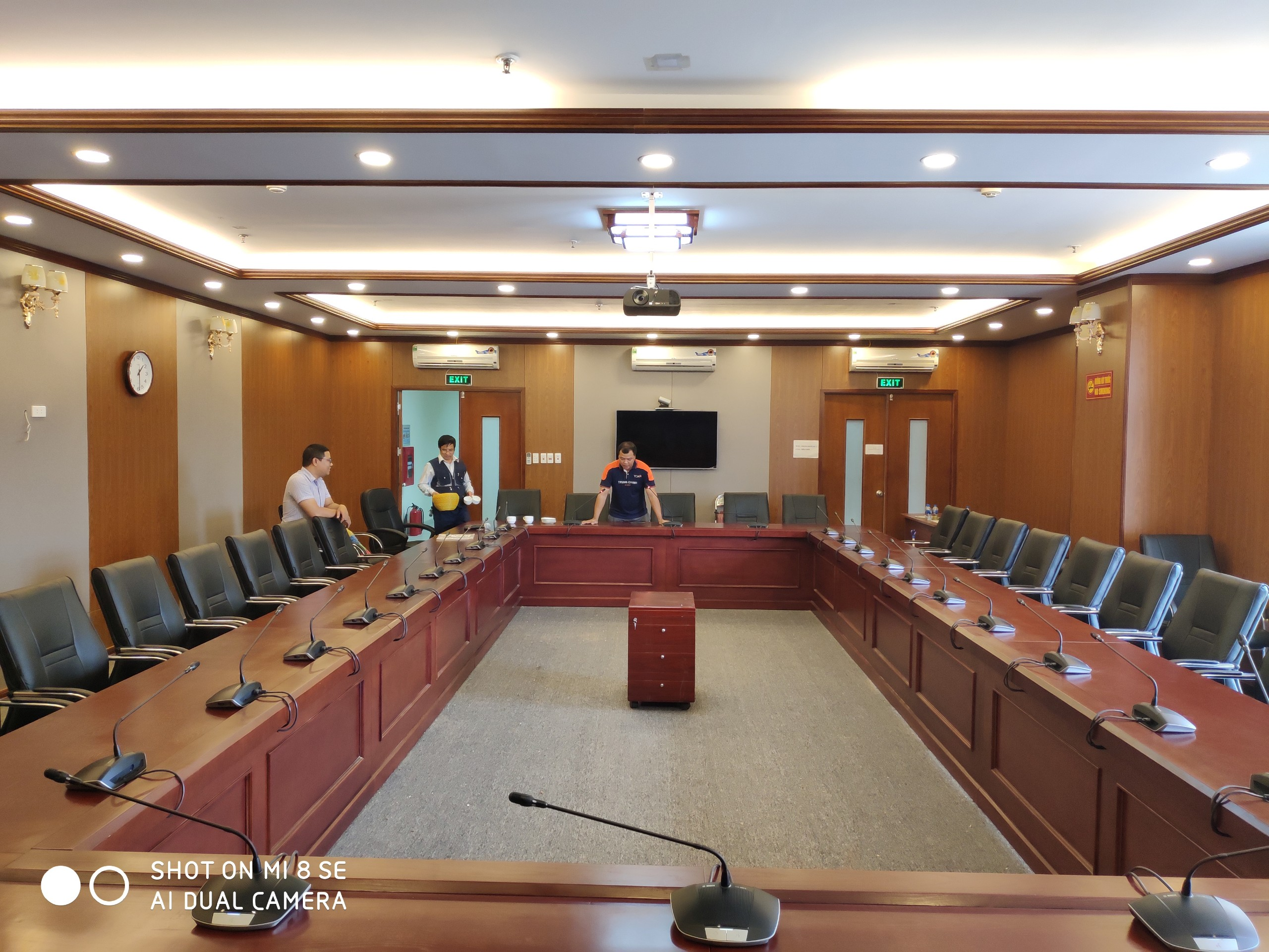 Hệ thống âm thanh hội thảo Bosch CCS1000D – Dự án: Liên Đoàn Luật Sư Việt Nam