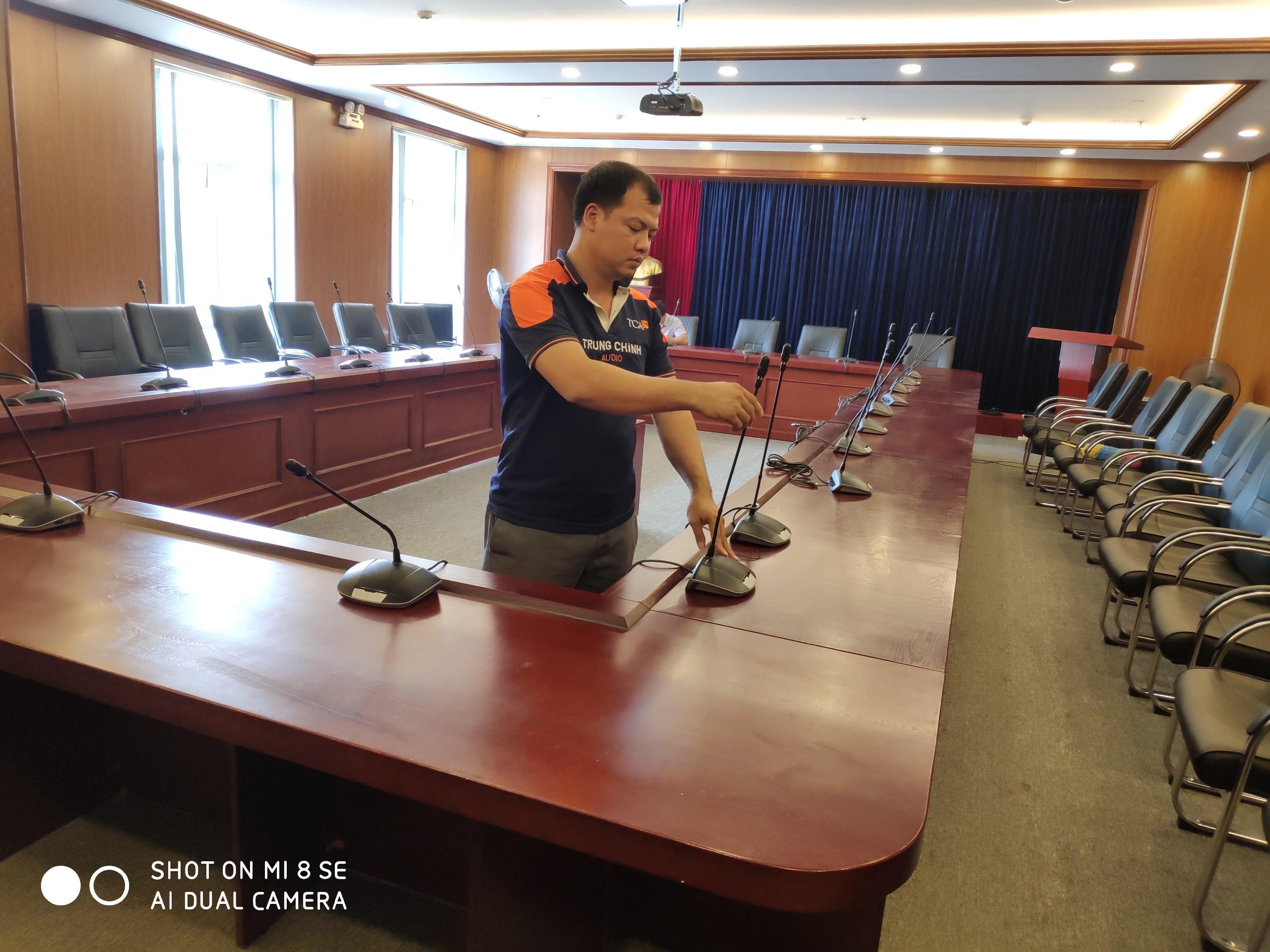Hệ thống âm thanh hội thảo Bosch CCS1000D  Liên Đoàn Luật Sư Việt Nam