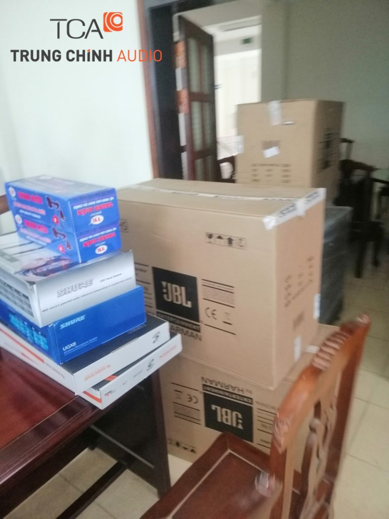 Thi công lắp đặt hệ thống âm thanh hội trường cho chi cục thuế huyện Lạc Thủy tỉnh Hòa Bình