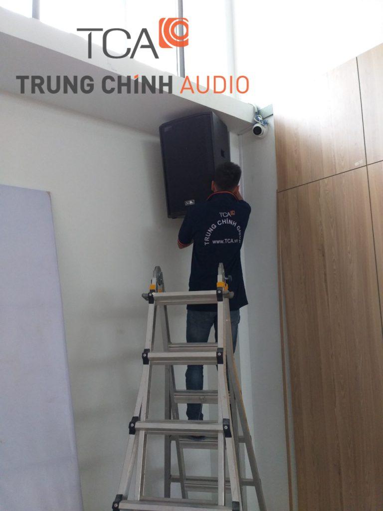 lap-dat-he-thong-am-thanh-hoi-truong-truong-quoc-te-gateway-01