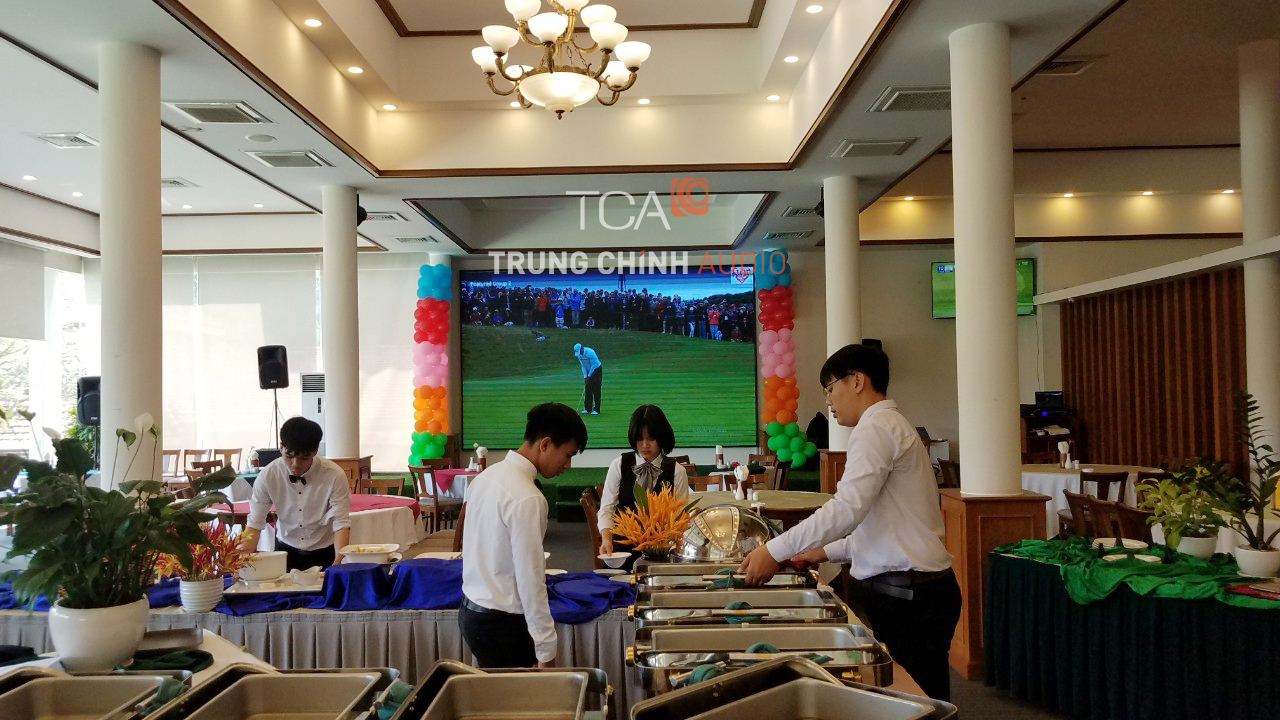 tca-lap-dat-am-thanh-nha-hang-san-golf-001