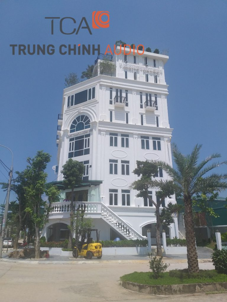 tca-lap-dat-thong-thanh-tai-white-clinic-luxury-spa-02